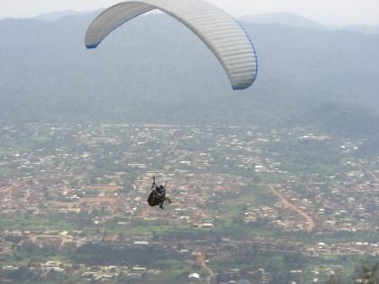 Paragliding_near_Nkawkaw_Ghana_in_the_Eastern_Region